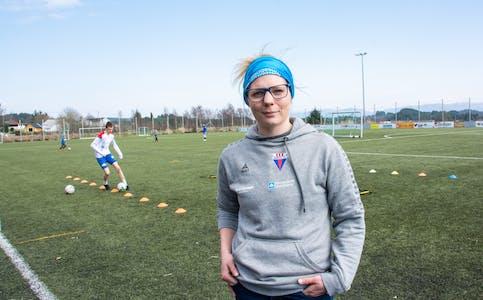 Leiar i Sveio IL, Lillian Rommetveit, er oppteken av at inneidrettar som volleyball og handball får koma i gang igjen.