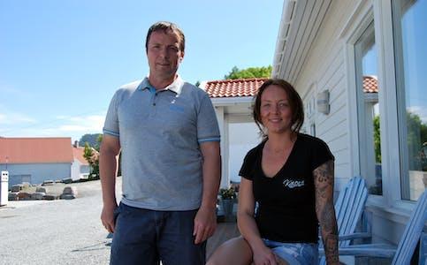 Franc Munoz og dottera Sonja Munoz utanfor Kaien AS i 2014.