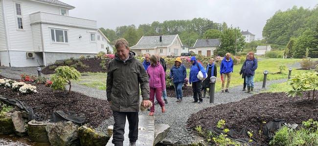 Søndag blir det ei spesiell gudsteneste i Førde, for 16. året på rad. Motivet er frå turstimarsjen i fjor. Søndag kan nok regnkleda droppast.