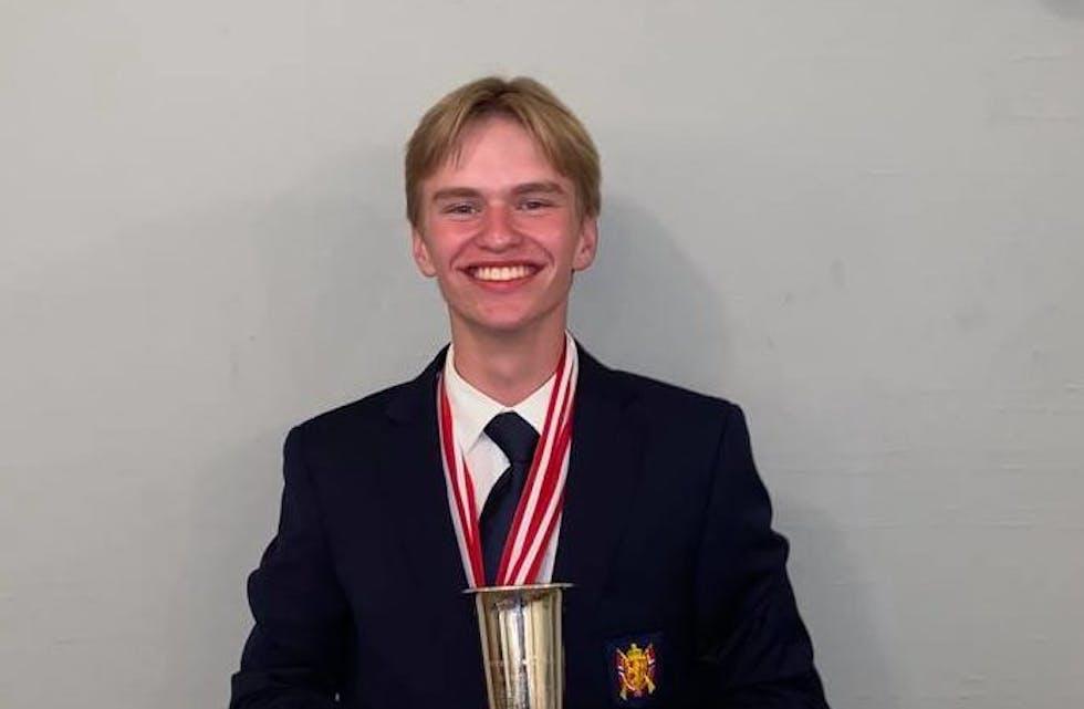 For andre gong har Olve Grønås Birkeland skote seg til gullmedalje i Nordisk meisterskap i skyting. Nå har han topplassering i både bane- og feltskyting.